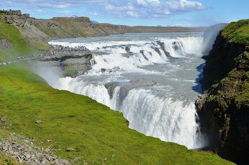 2018年5月1日発 日本語ガイドと廻るアイスランドの名所 氷の洞窟・ブルーラグーン・黄金の滝・ゲイシール地熱帯4日間の申し込みはグラージュへ滝, グトルフォス, アイスランド, 自然, 風景, 川, 水, 巨大な