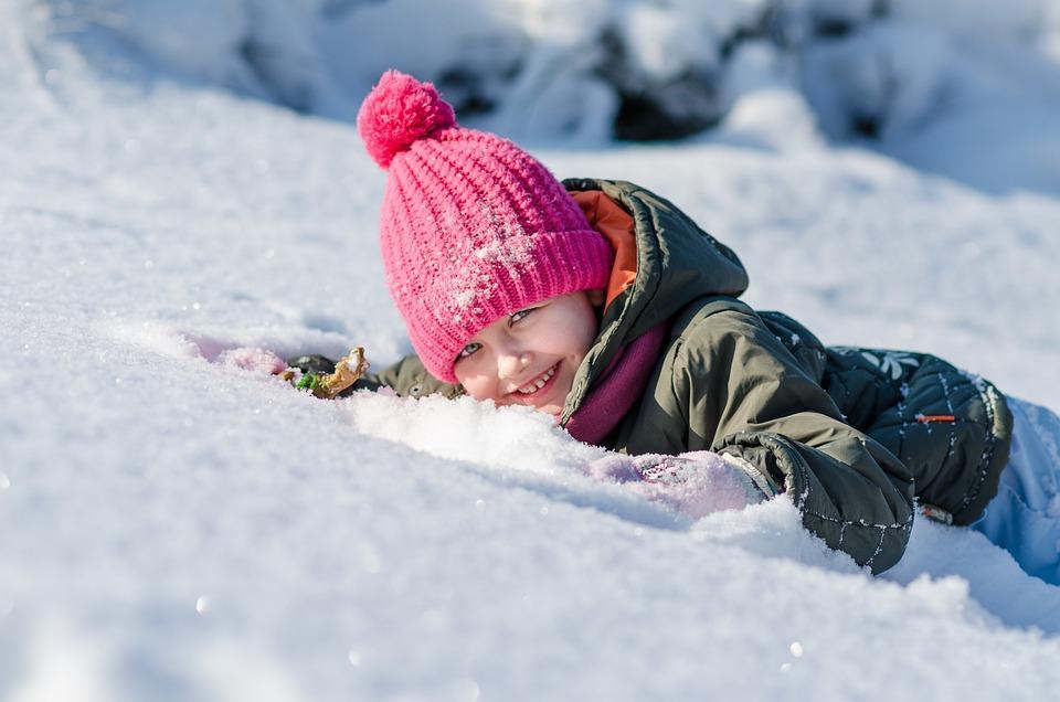 Девочки голые играют в снегу фото 789-214