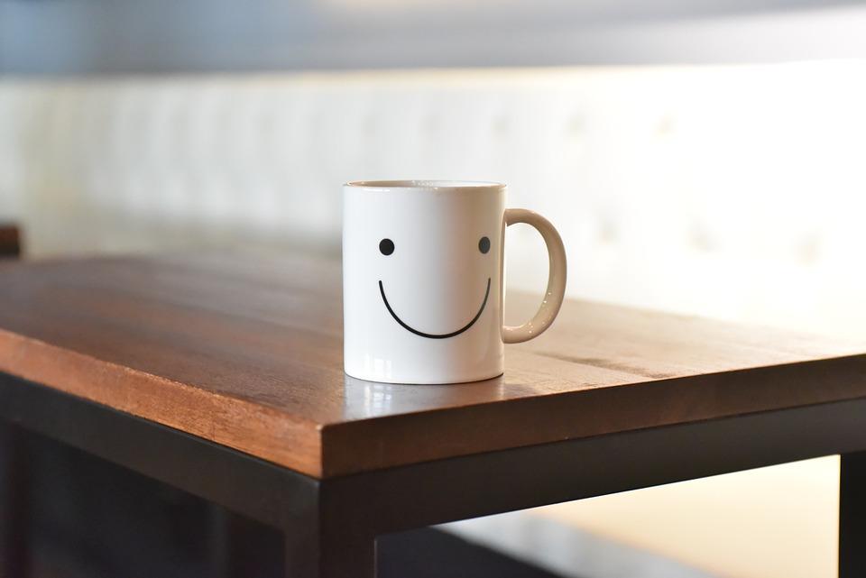 スマイル, コップ, 笑顔, コーヒー, テーブル, かわいい, 朝