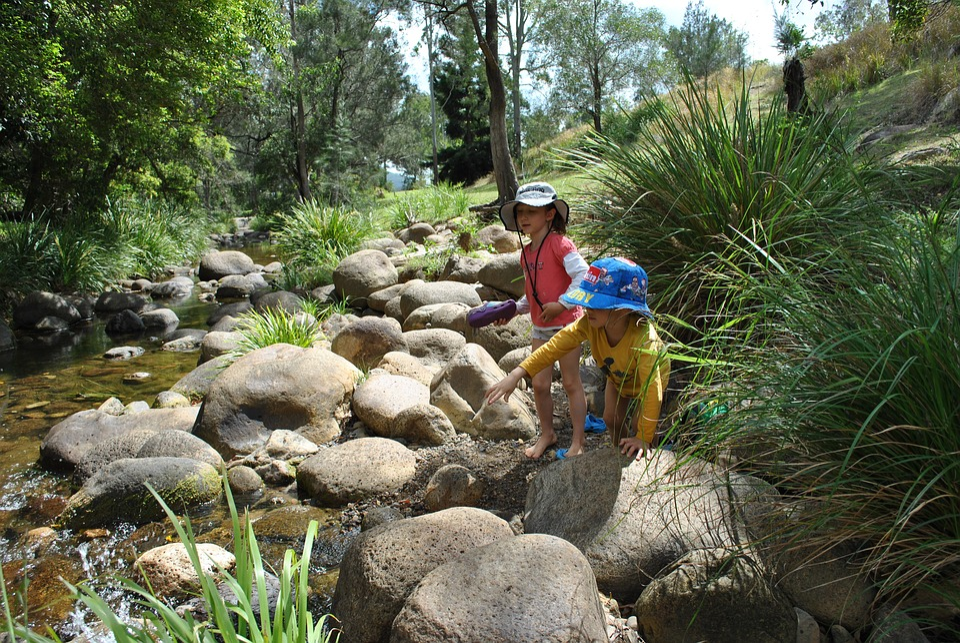 Enfants, Ruisseau, Jeu De La Nature, De Vacances
