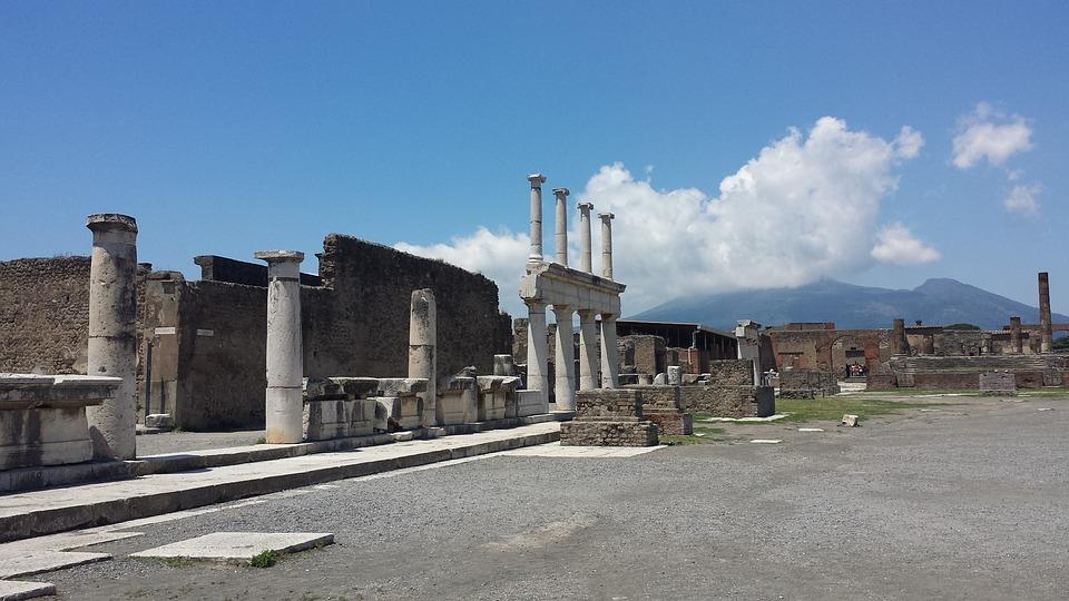 Escursione giornaliera da Roma a Napoli e visita guidata agli Scavi archeologici di Pompei