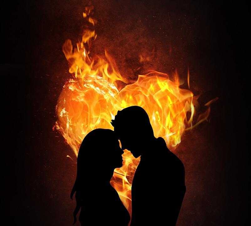 Valentinstag Paar Liebe Kostenloses Bild Auf Pixabay