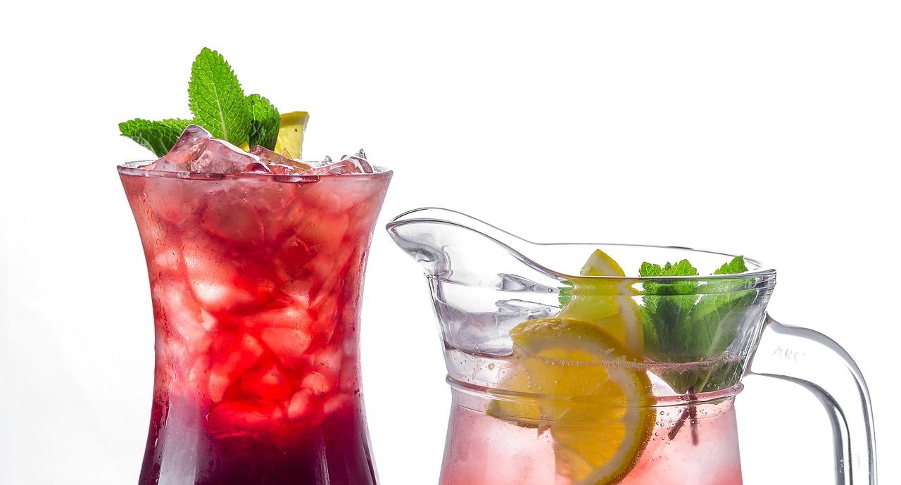Как сделать освежающий коктейль