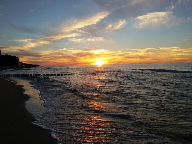 Kostenloses foto sonnenuntergang meer west kostenloses bild auf pixabay 2030204 - Palpitations le soir au coucher ...