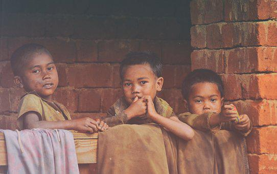 Pobreza, Niños, Madagascar, Tres Niños