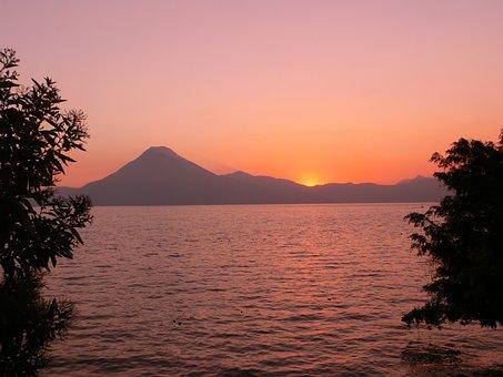 """Résultat de recherche d'images pour """"Guatemala forêt coucher desoleil"""""""