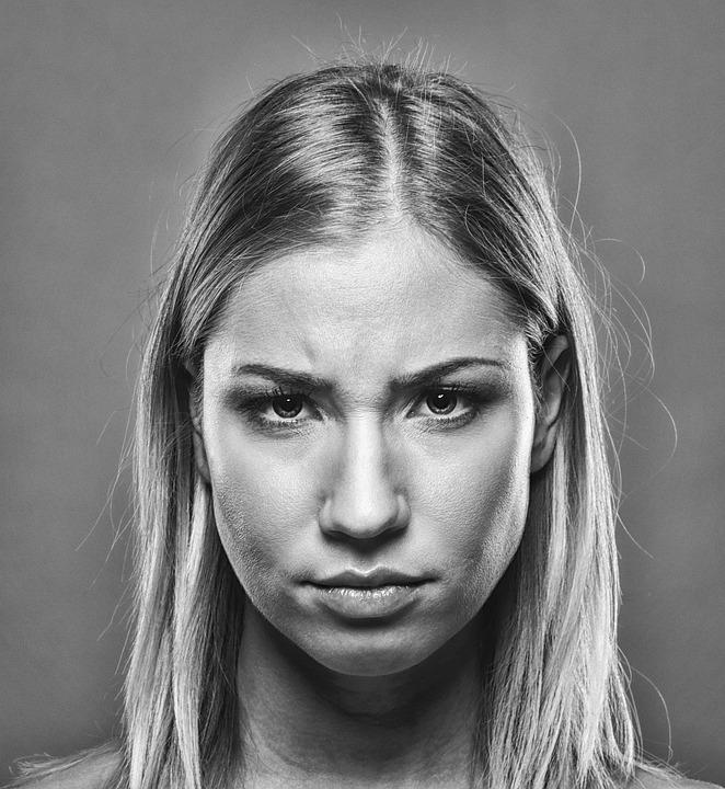 Девушке на лицо фото