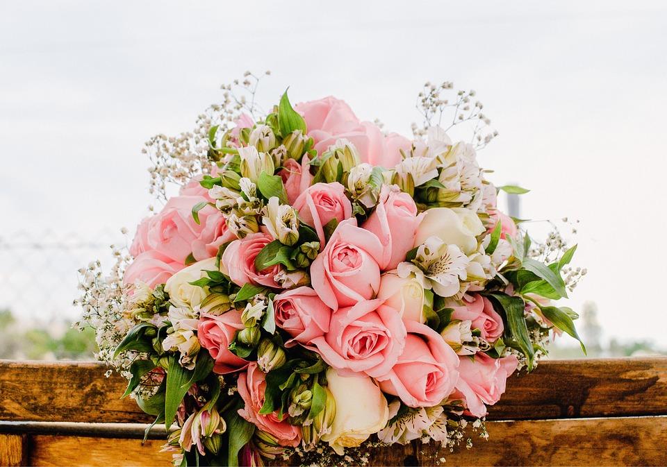 Blumenstrauss Blumen Rosa Kostenloses Foto Auf Pixabay