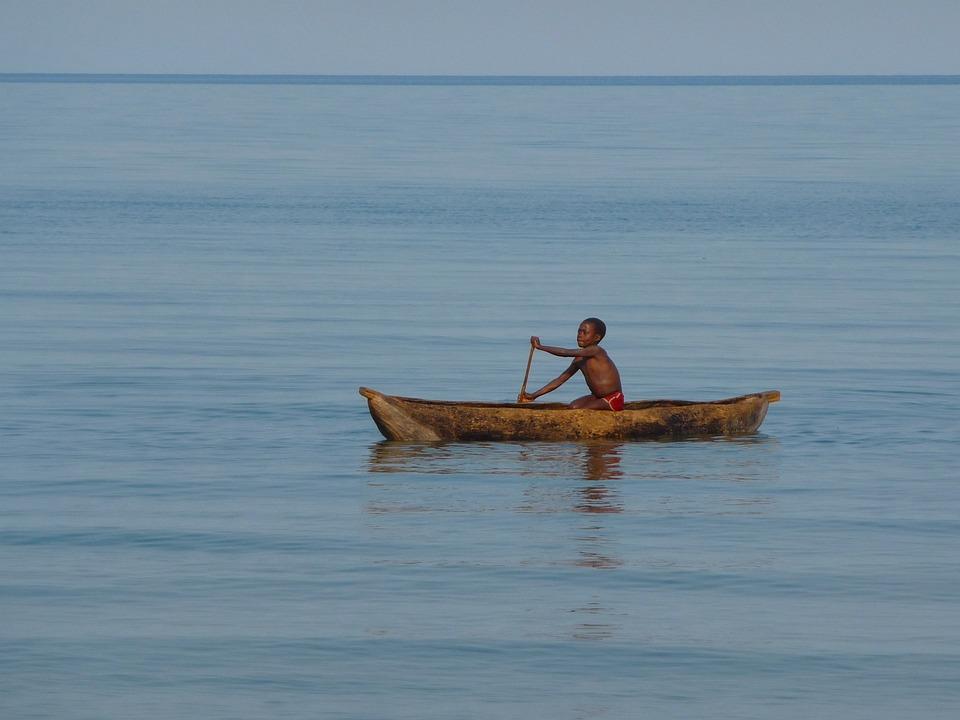 Malawi, Lac Malawi, Enfant, Bateau, Pirogue, Pagaie