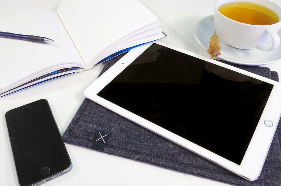 Ipad, Iphone, Maqueta, Aplicaciones De La Tecnología