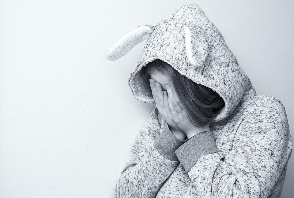 女性, 悲しい, 肖像画, 泣いている, 絶望的な, 意気消沈した, 泣く, 絶望的です, 損失, 10 代