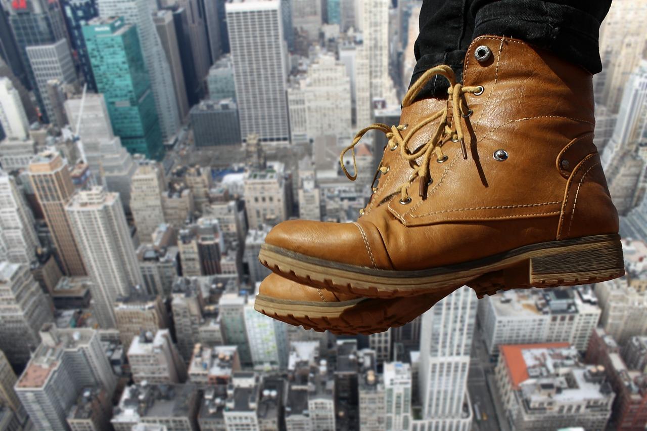 梦见鞋里装了好多钱 女人梦见鞋子什么预兆
