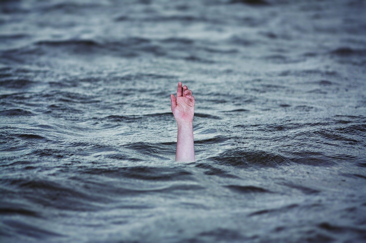 Drowning Ocean Emergency - Free image on Pixabay