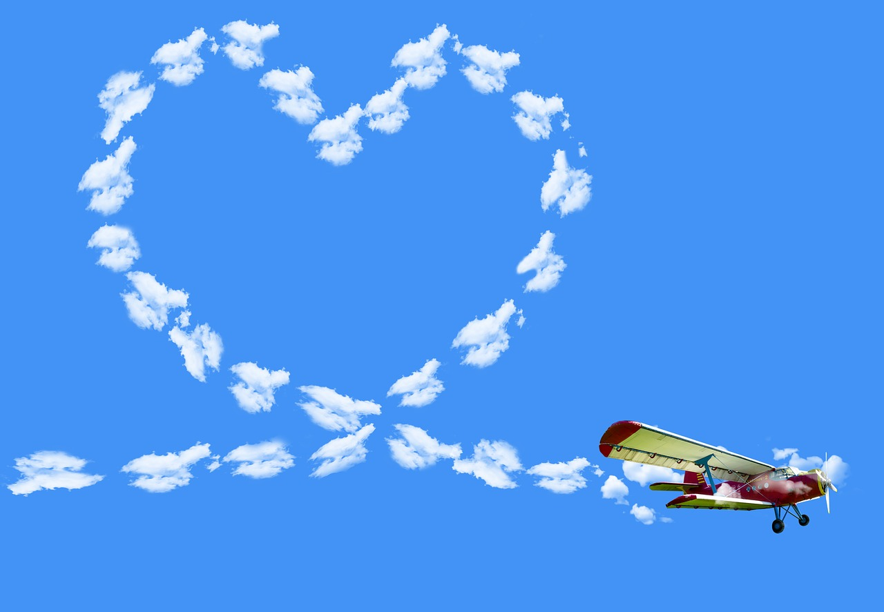 Открытки с небом и самолетом, святым воскресеньем поздравить