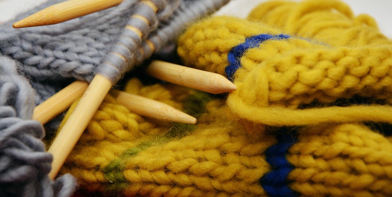 История вязания спицами. Первая вязаная одежда 7