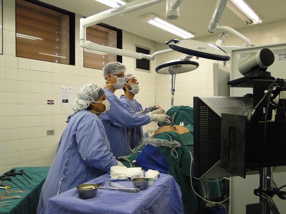 臨床工学技師に転職するには?|仕事内容・必要資格・志望動機例