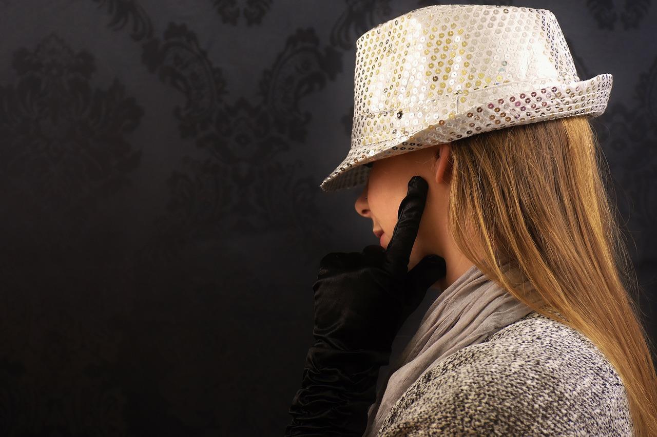 シックの意味と使い方|ファッション/病気/色・モダンとの違い