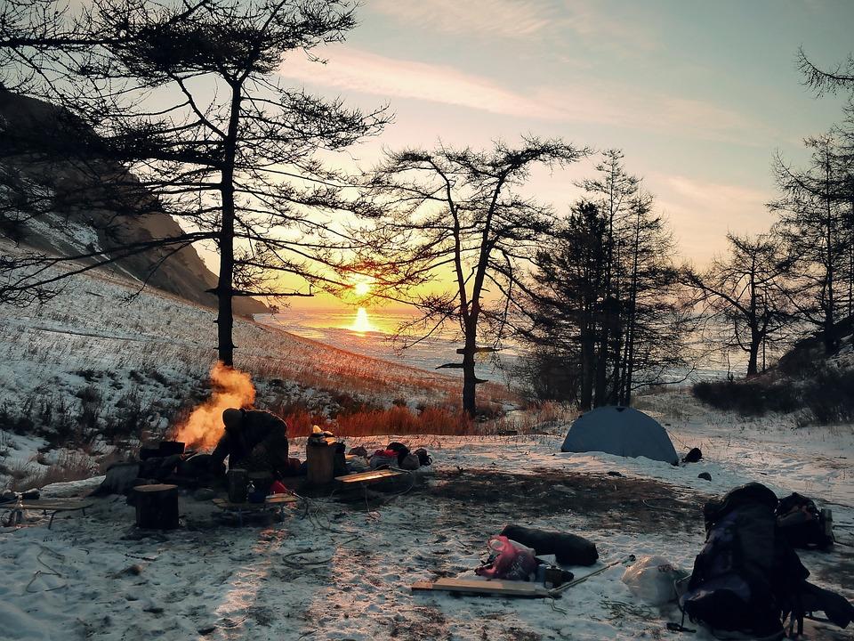 冬の風景, キャンプ, 冒険, 屋外, 余暇, 倉庫, 火をおこす, キャンプファイヤー, 暖炉, 荒野