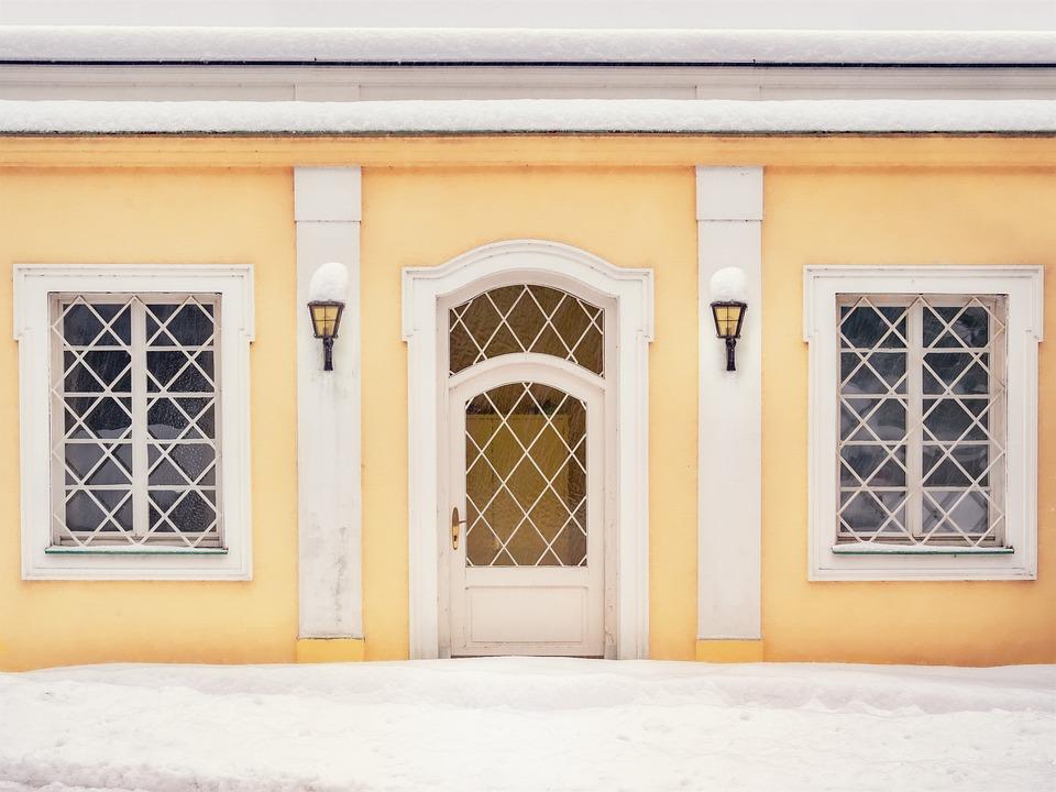 Fassade Gelb fassade gelb tür kostenloses foto auf pixabay