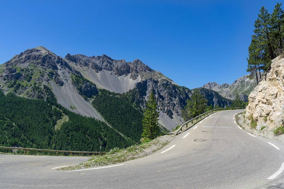 Foto Gratis Alpine Jalan Pemandangan Gunung Gambar Pegunungan