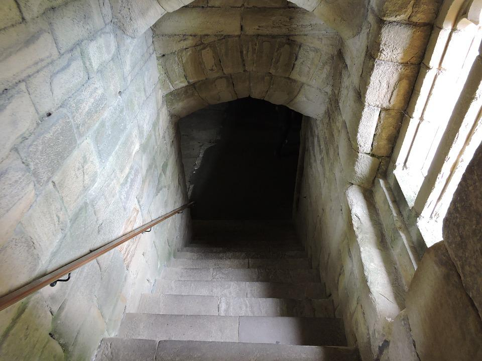 dungeon door castle medieval dark doorway roman & Dungeon Door Castle · Free photo on Pixabay