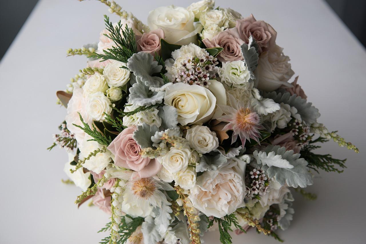Купить цветы к свадьбу список, букет-дублер бусины цветы
