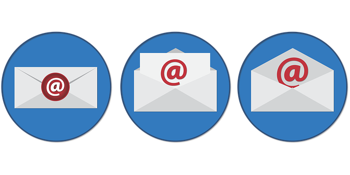 3 white enveloppes with red @ signs over blue circles to signify email