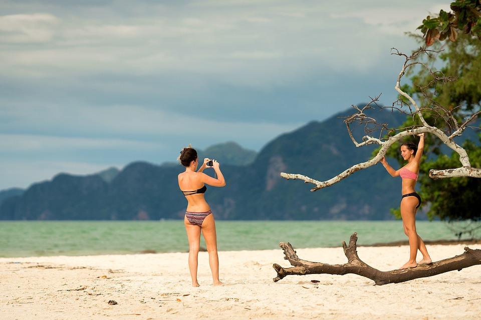 Tropical Beach Girls Women Photo Shoot Taking