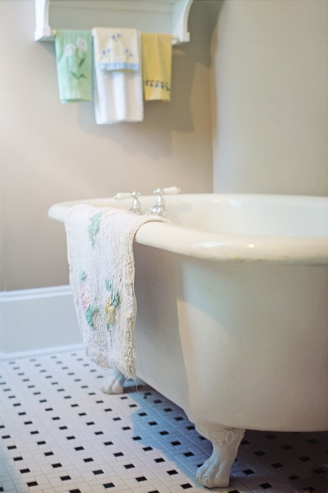 Claw Foot Tub Bathtub Vintage Free Photo On Pixabay