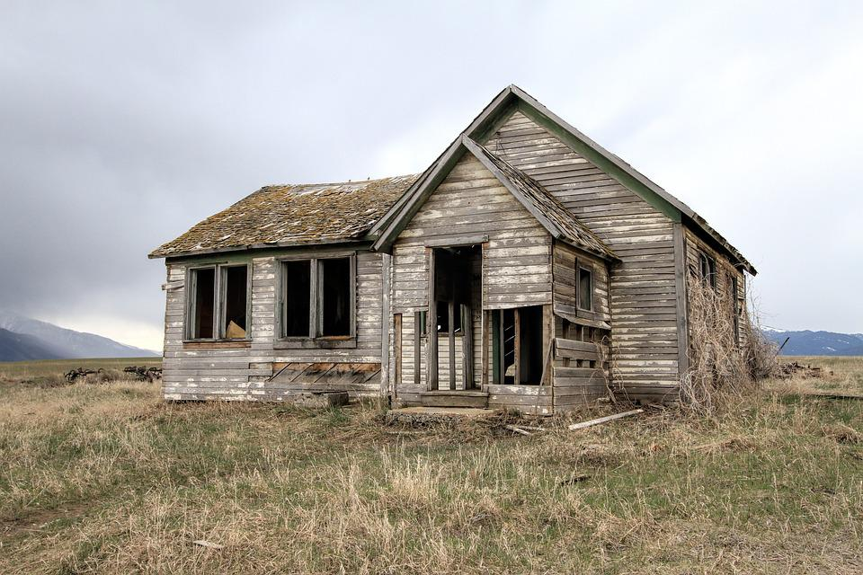 Old farm house decay home free photo on pixabay for Pictures of small farm houses