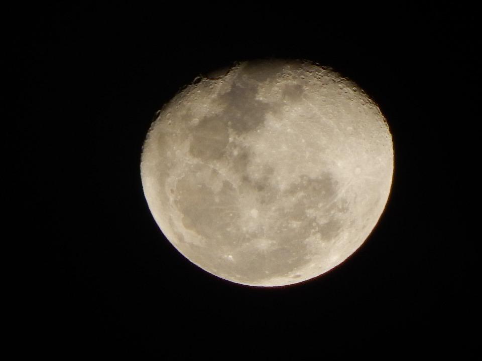Luna Cuarto Creciente Fondo · Foto gratis en Pixabay