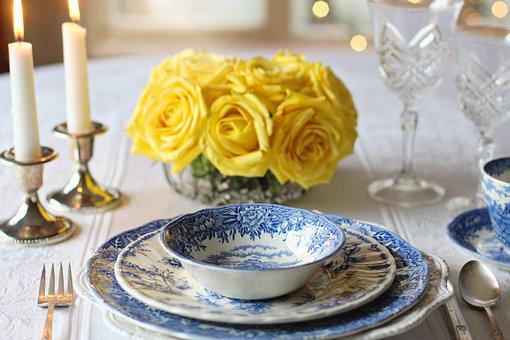 Place Setting, Dinner, Table Setting,Know more about the days leading up to Valentine's day like Rose Day, Chocolate day and Anti-Valentine's day like break up day, slap day and more.
