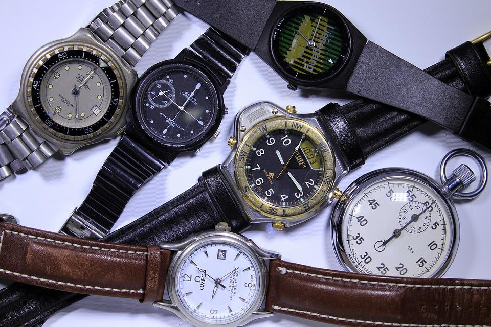 【メーカー別】時計の電池交換にかかる値段|オメガ/マーク