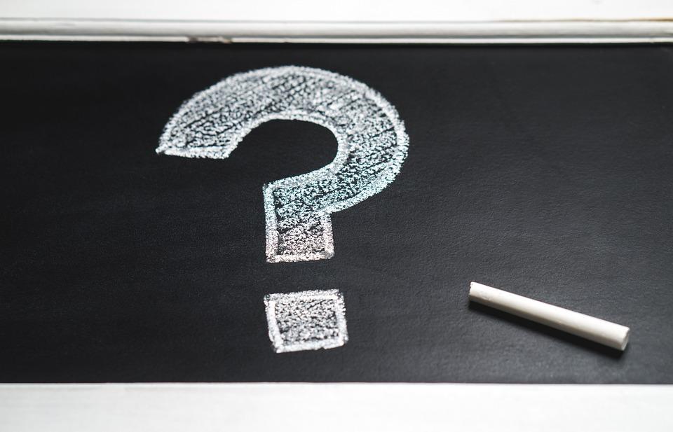 黒板, 教育, 質問マーク, 手描き, ソリューション, 思う, チョーク ボード, なぜ, どのような