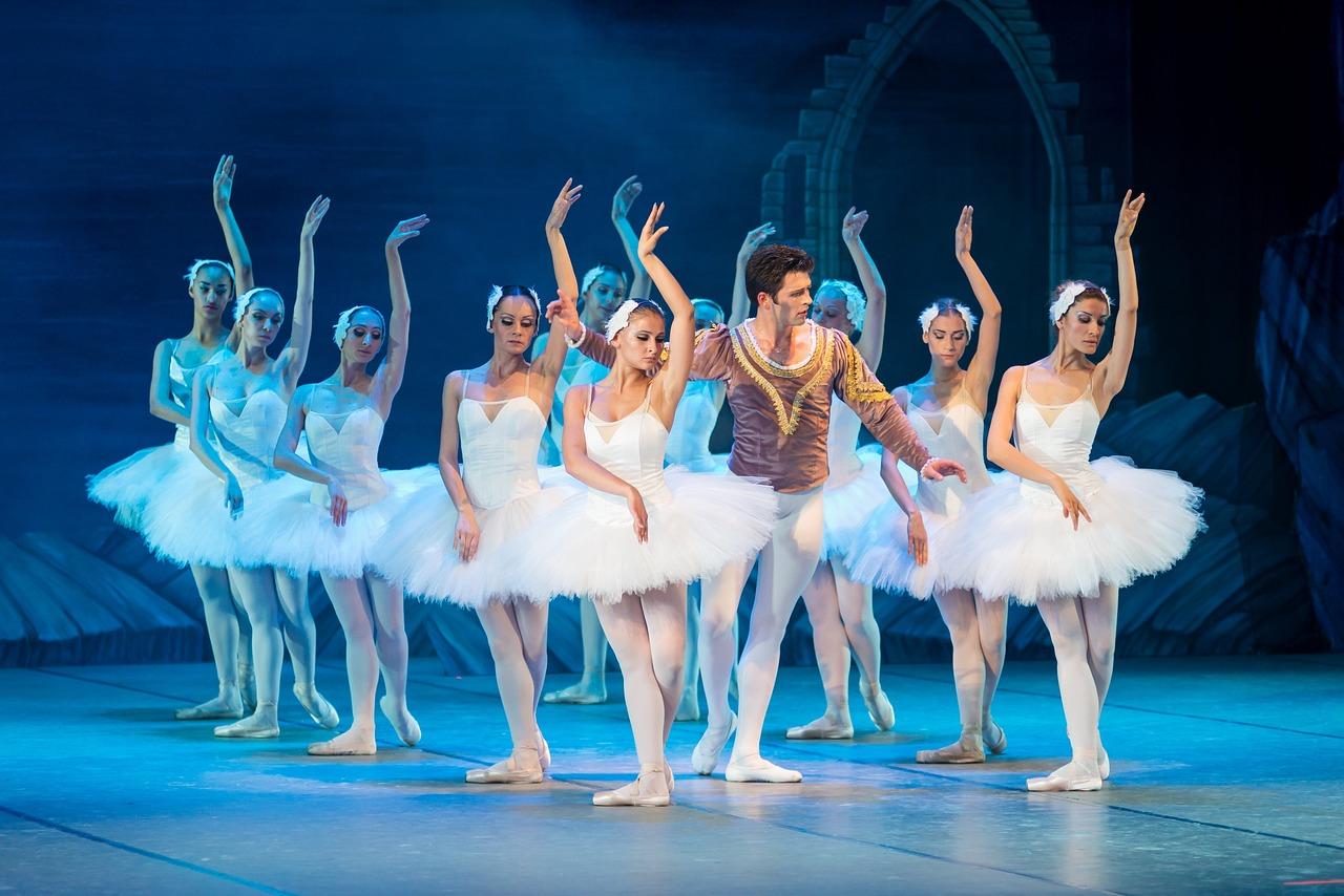 водолея балет лебединое озеро фото проскочили мимо