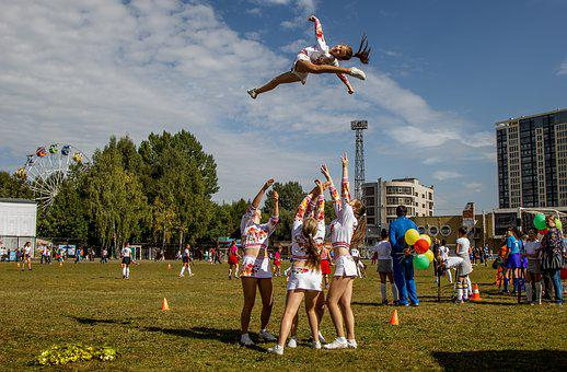 The Girl In The Air, Sports, People