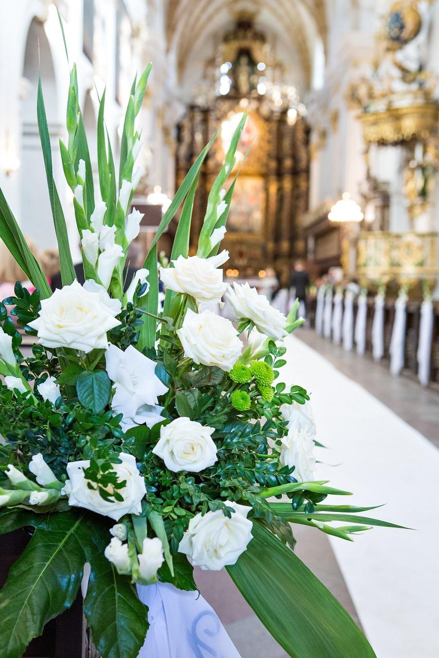 Цветочный букет для церкви спб, свадебные букеты