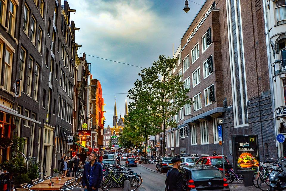 Licht Tour Amsterdam : Amsterdam straße fußgänger kostenloses foto auf pixabay