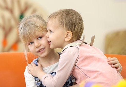 Kids, Kiss, Sisters, Blonde, Hugs