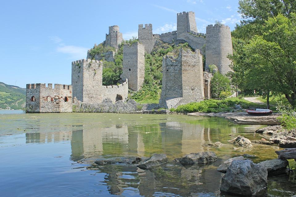 Burg, Festung