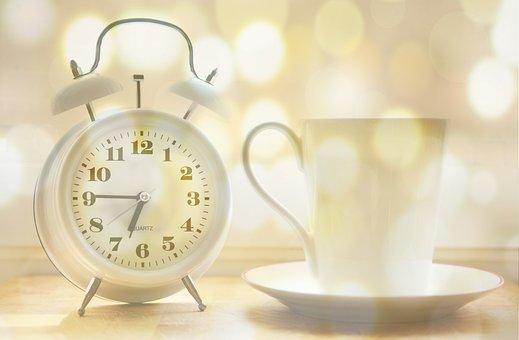 Despertador, Taza De Café, Momento De La