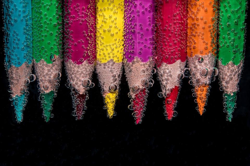 カラフルです, 鉛筆, 水没, 水中, 空気の泡, 色鉛筆, 着色鉛筆, 技術の材料, 着色材, ウェット