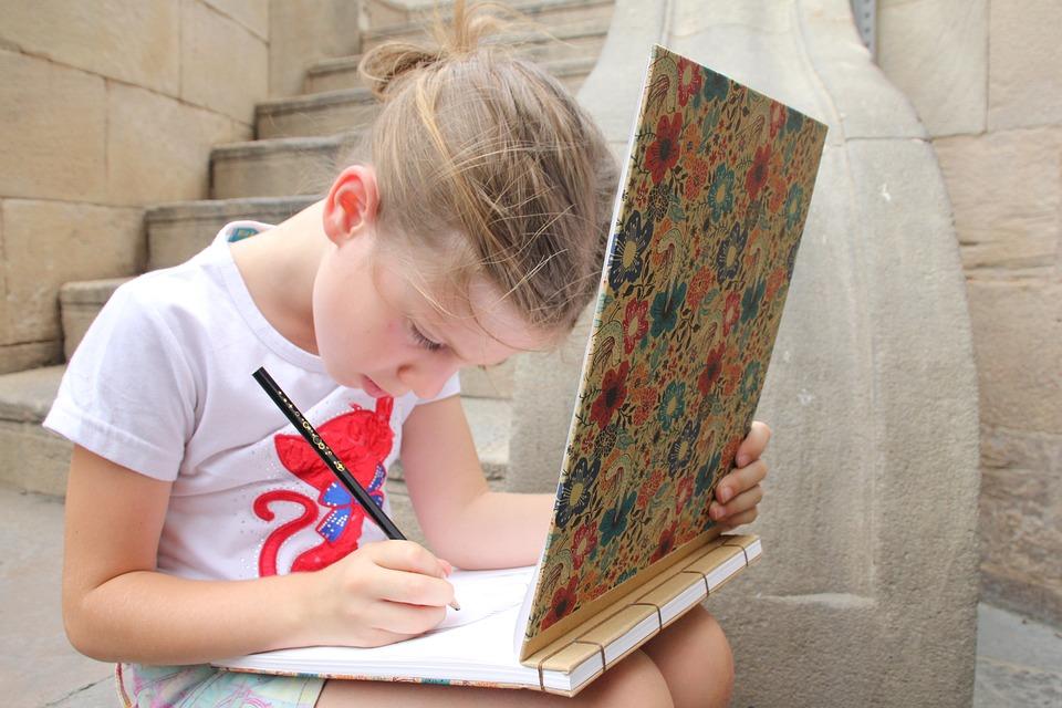 Zeichnung Zeichnen Madchen Kostenloses Foto Auf Pixabay