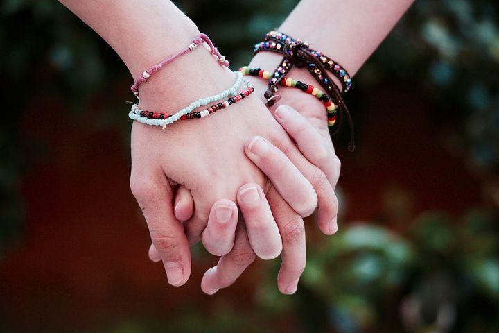 Freundschaft, Brüderlichkeit, Hände