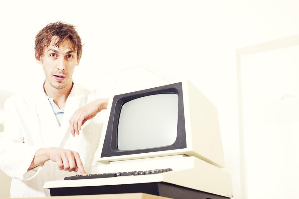 the importance of computers and programs to businesses