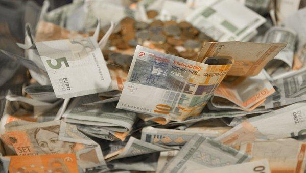 Geld, Bargeld, Münzen, Euro, Währung
