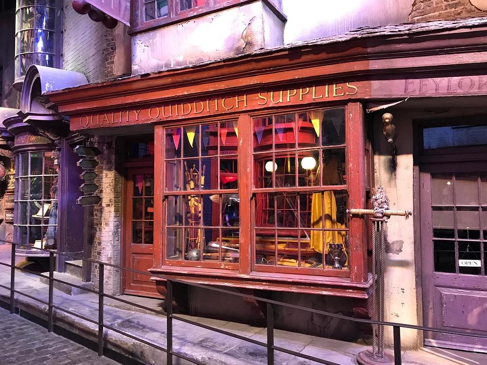 Ollivander wand shop- Diagon alley