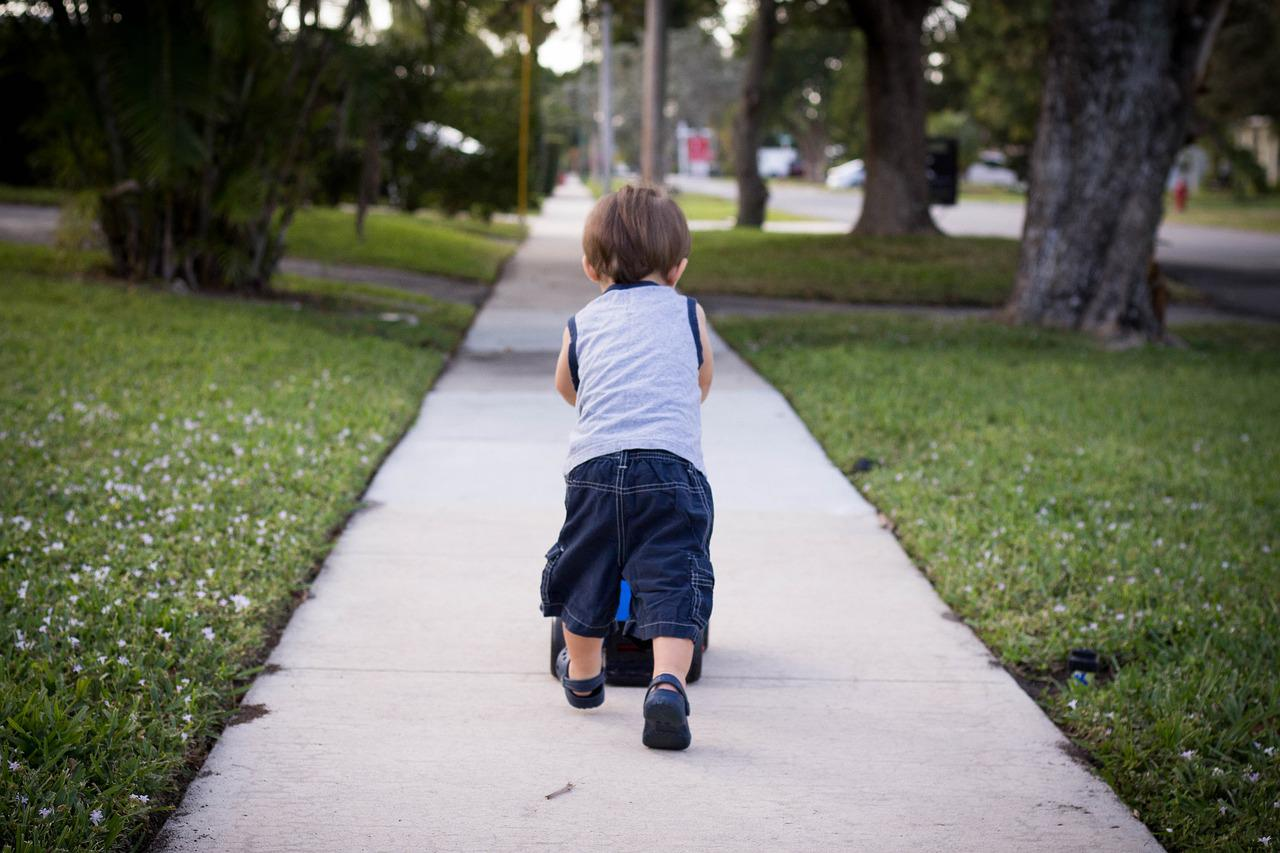 Sidewalk Toddler - Free photo on Pixabay