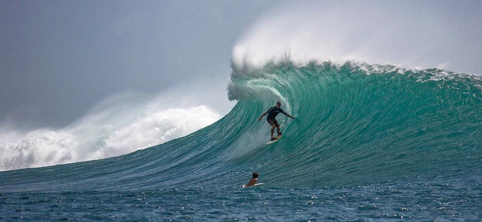 Surfing di Indonesia | pixabay.com
