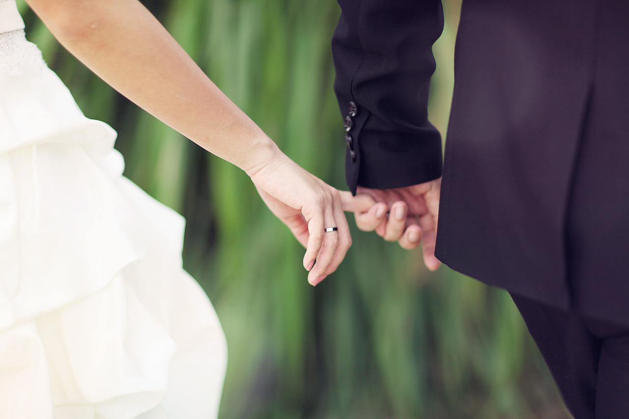 Getting Married Ring Hold - Free photo on Pixabay